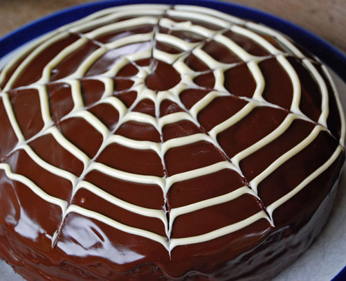 Cobweb Cake – Creepy Halloween Baking