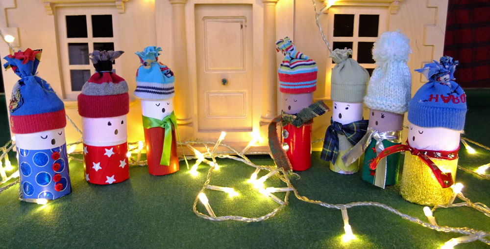 Christmas Craft – Toilet Roll Carollers
