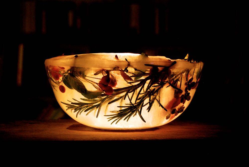 Ice lanterns, Spectacular Christmas Decorations - An Easy Tutorial!