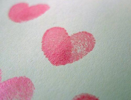 fingerprint love hearts, fingerprint craft, valentine's card craft