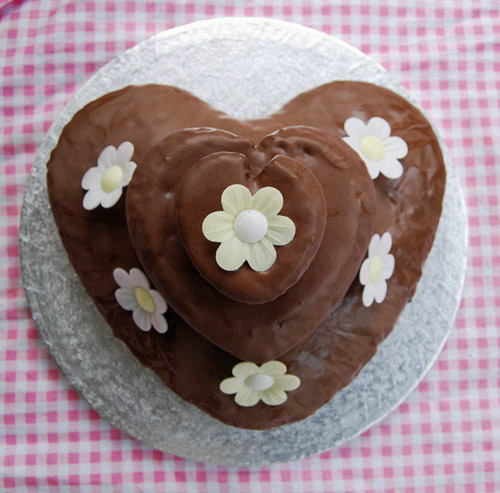 valentine's chocolate heart cake
