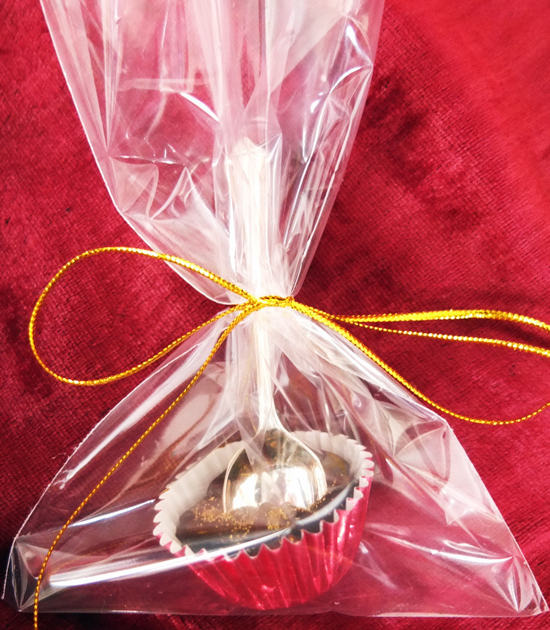 Chocolate spoon in a presentation bag.