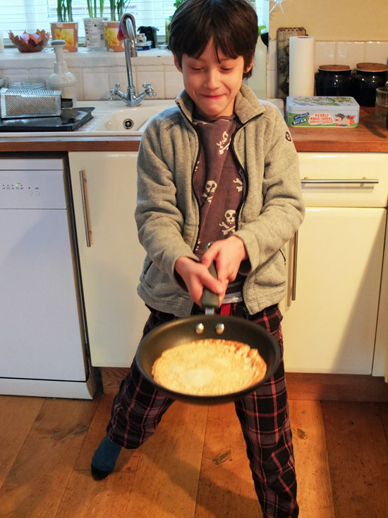 How to cook pancakes, cooking with kids