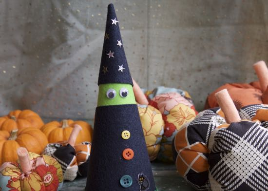 Halloween Crafts – Witch Craft!