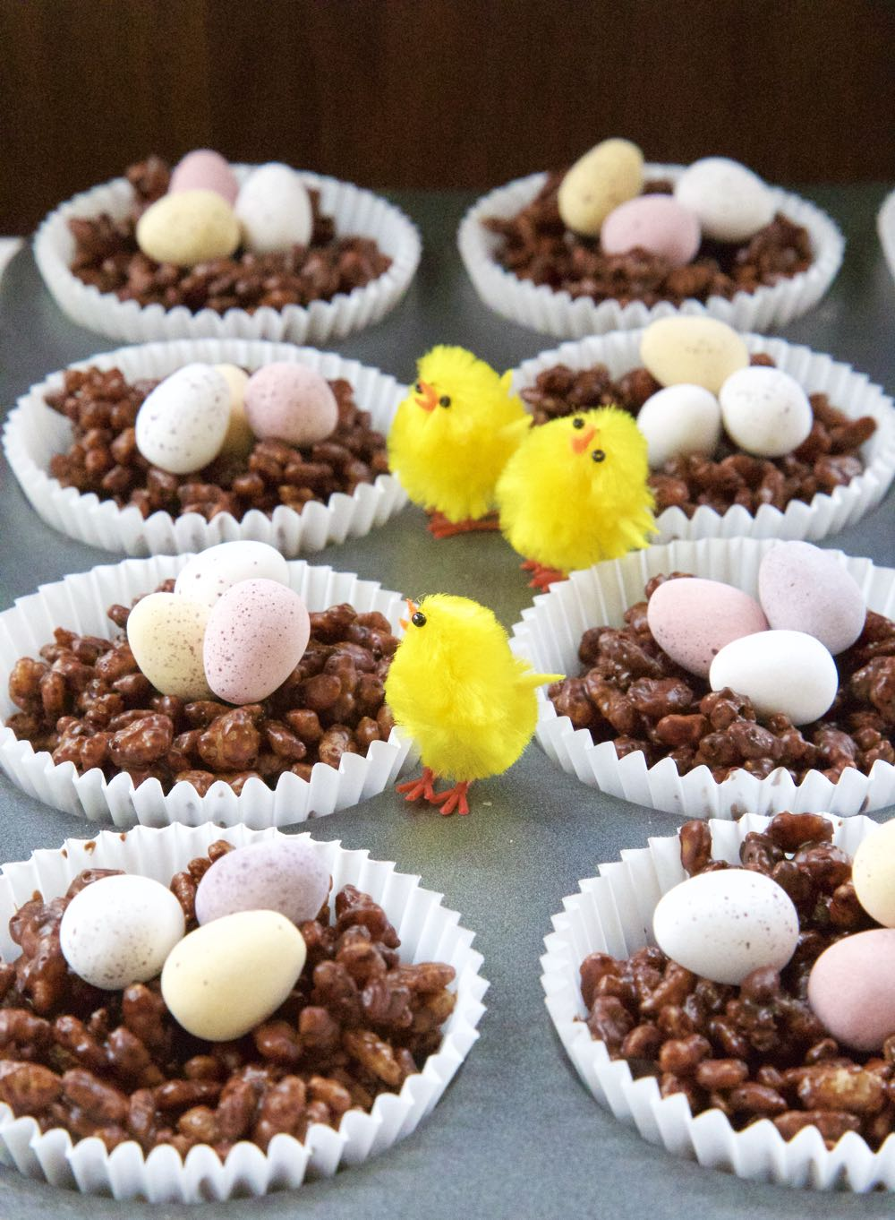 Chocolate Crispie Cakes and Easter Chicks.