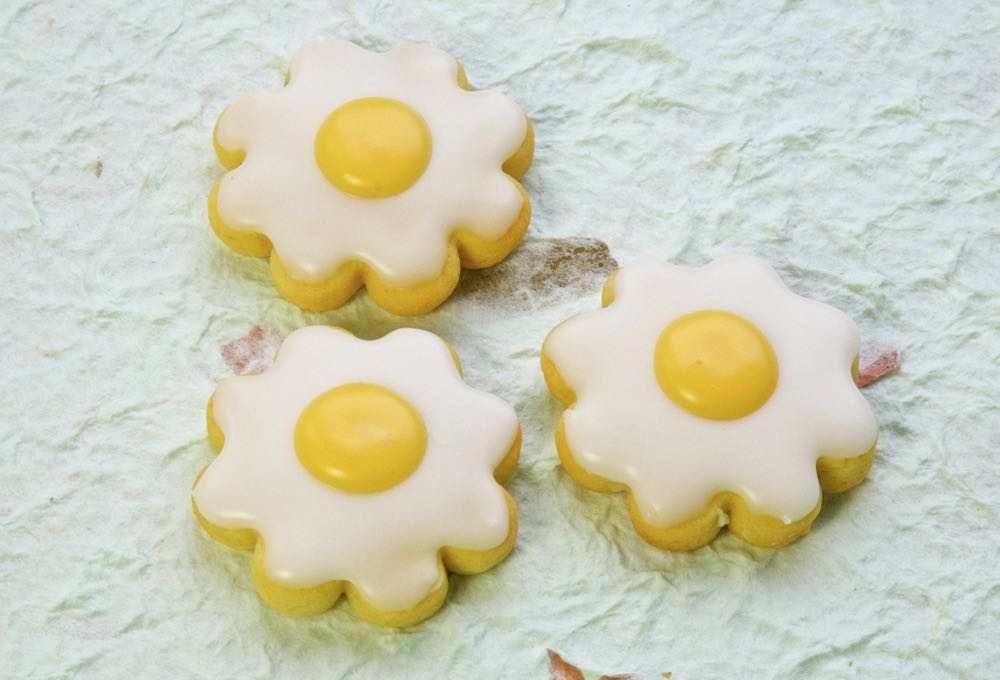 Easter Fried Egg Flower biscuits.