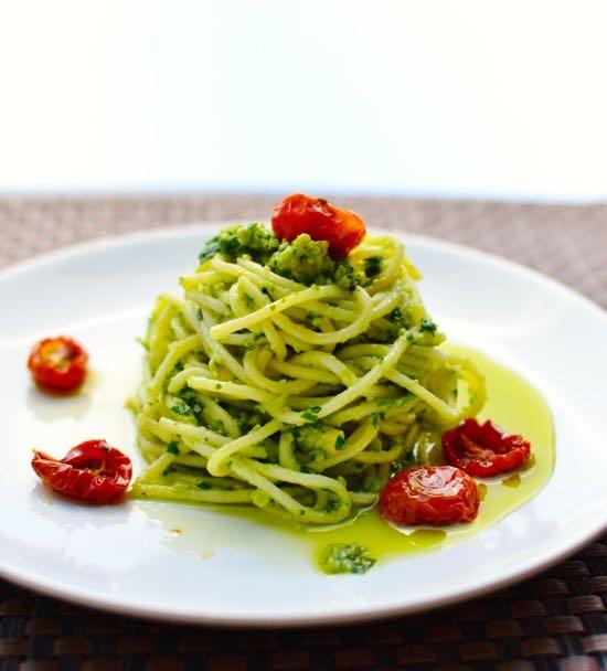 Spaghetti with Parsley Avocado Pesto- simple vegetarian pasta recipes