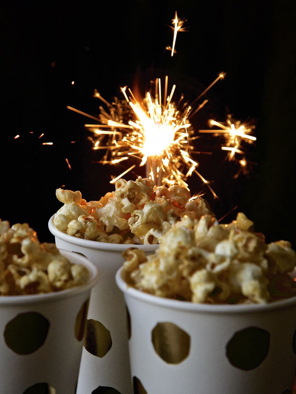 vegan-toffee-apple-popcorn-for-bonfire-night