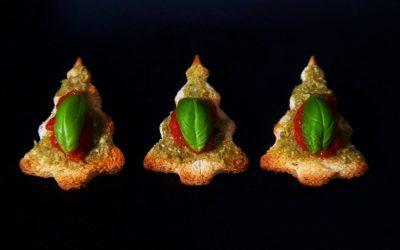 Vegan Canapés – Bruschetta Christmas Trees