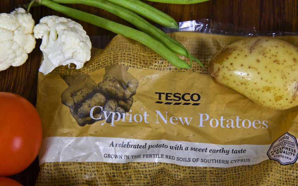 Tesco Cypriot New Potatoes, Roasted Cauliflower, Tomatoes and Green Beans for an easy Creamy Vegan Curry.