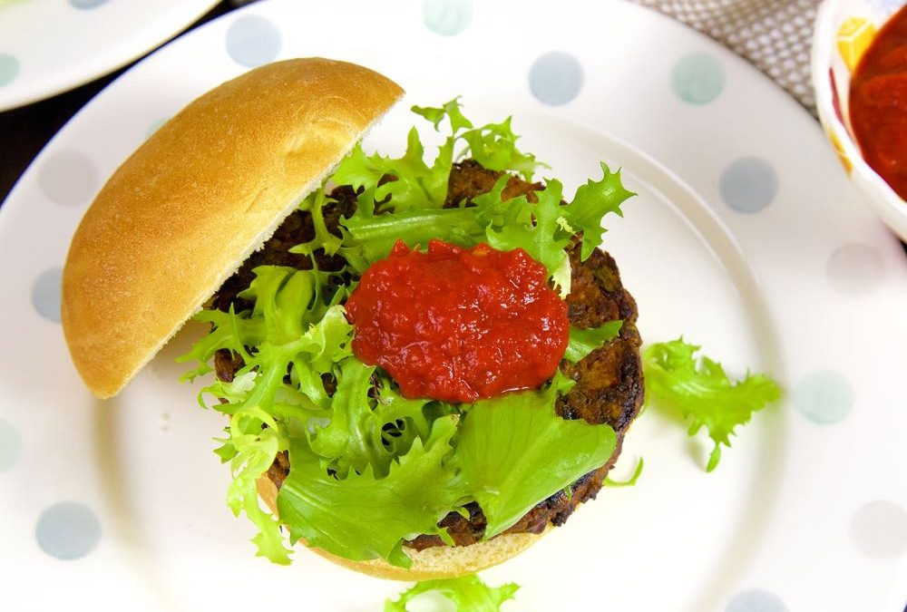 Green Lentil Burgers with Sweet Pepper Sauce (Vegan)