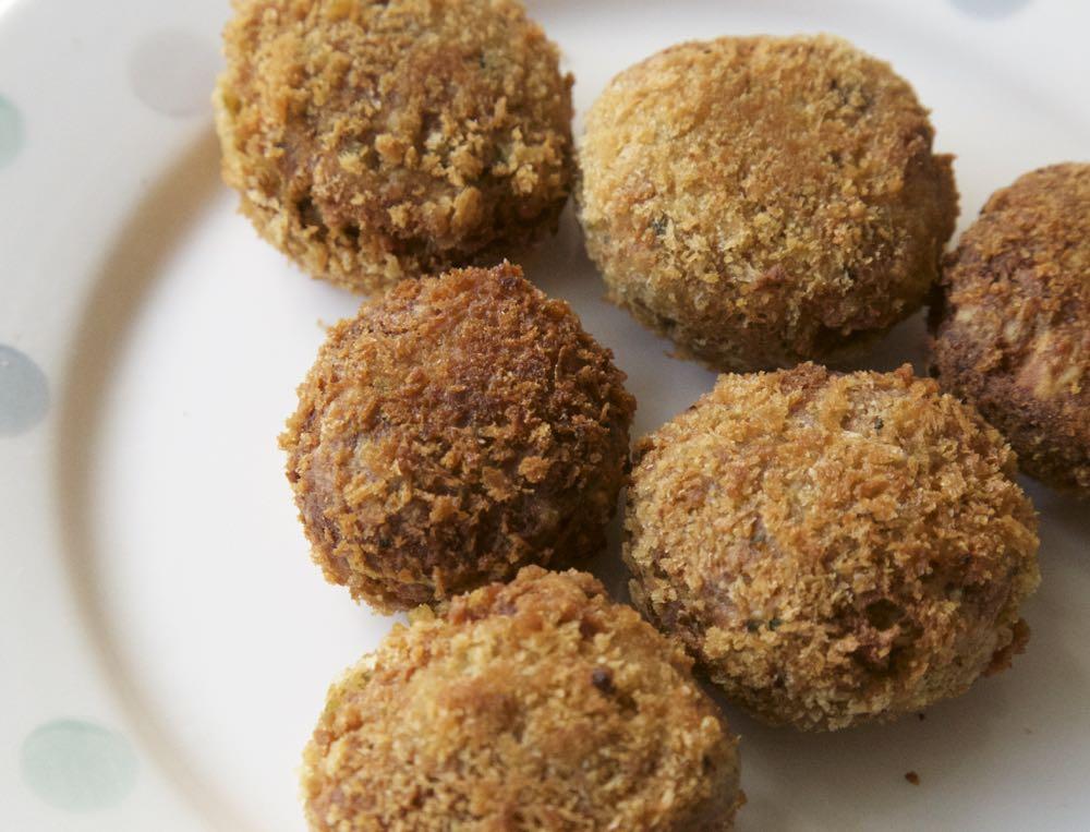 Easy Falafel Recipe - Chickpea Falafels in a crisp breadcrumb coat.