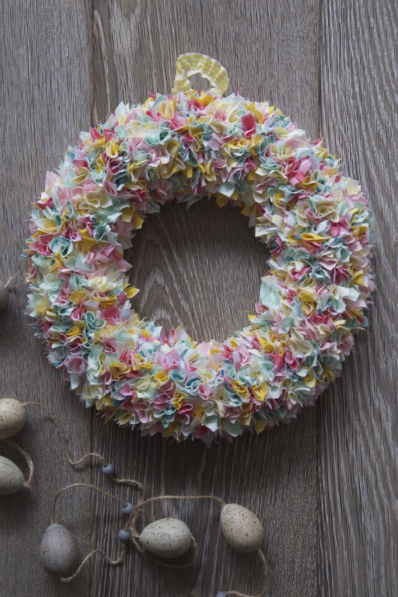 Simple Spring Fabric Wreath in pastel colours.