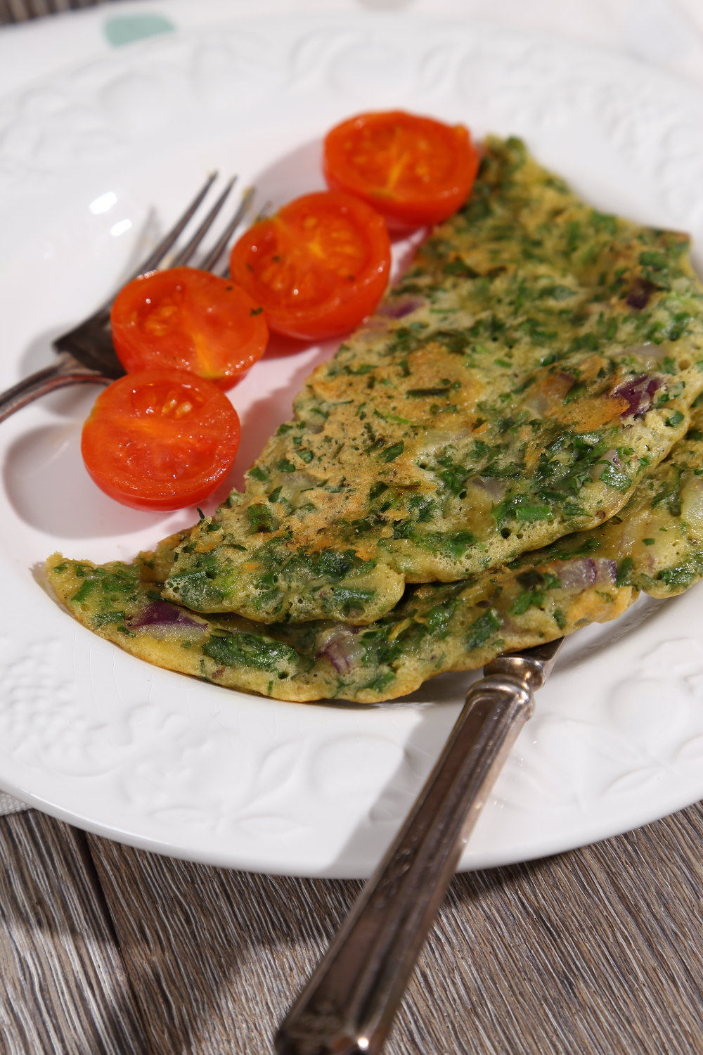 Herby Vegan Omelette with Parsley and Chives