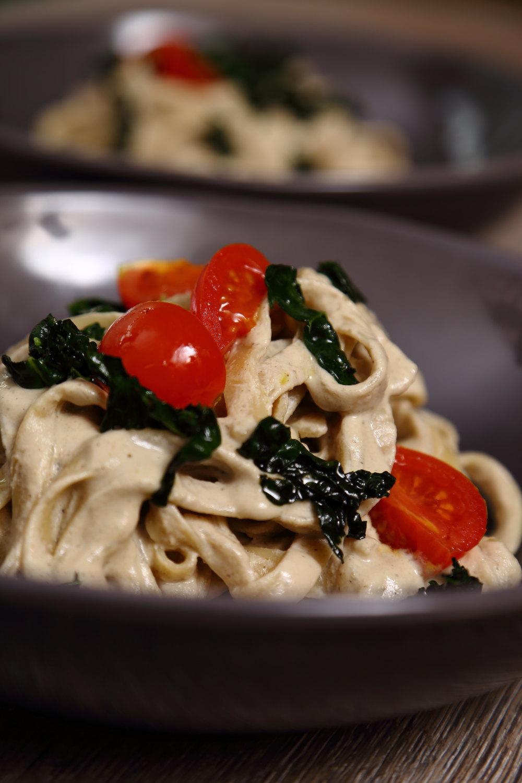 Vegan Pasta Alfredo sauce with Tagliatelle - A super simple, totally creamy Vegan Pasta Alfredo!