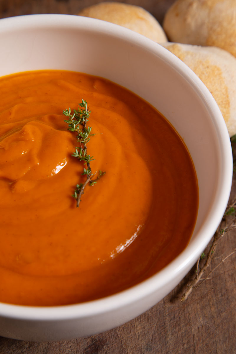 Roasted Tomato and Garlic Soup WithThyme