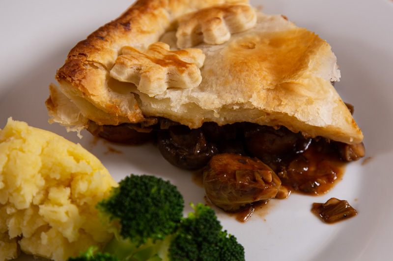 Ale and Mushroom Pie with broccoli and mashed potato.