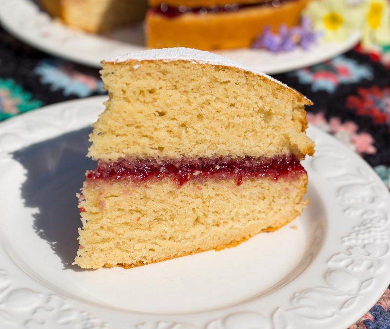 Easy Vegan Sponge Cake